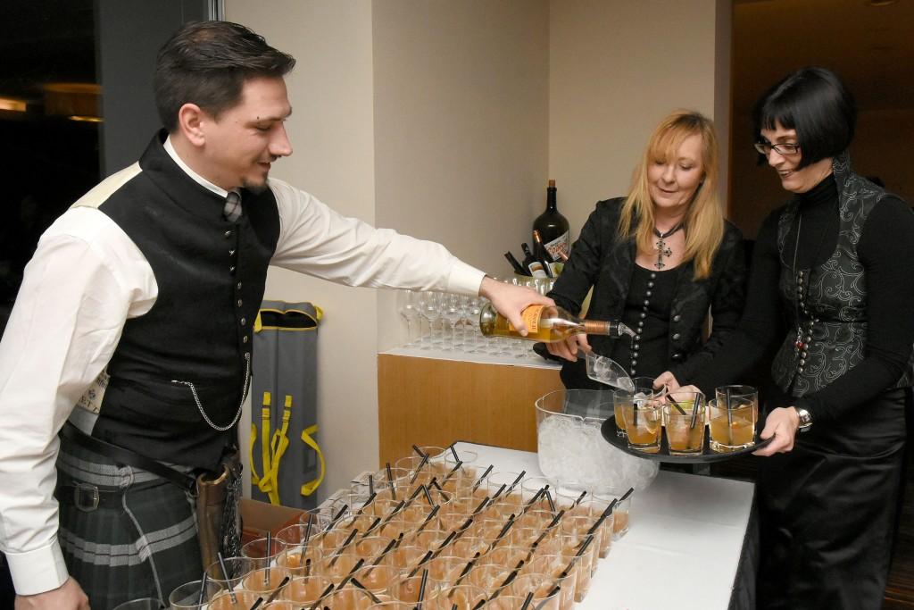 Mehr als 100 Welcome-Drinks in 30 Minuten