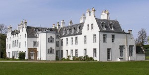 Islay House vorne